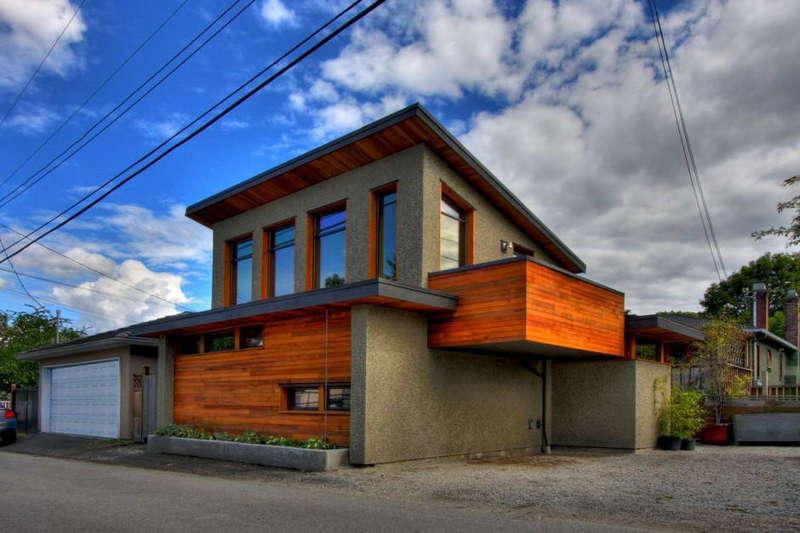 Дом-гараж.
